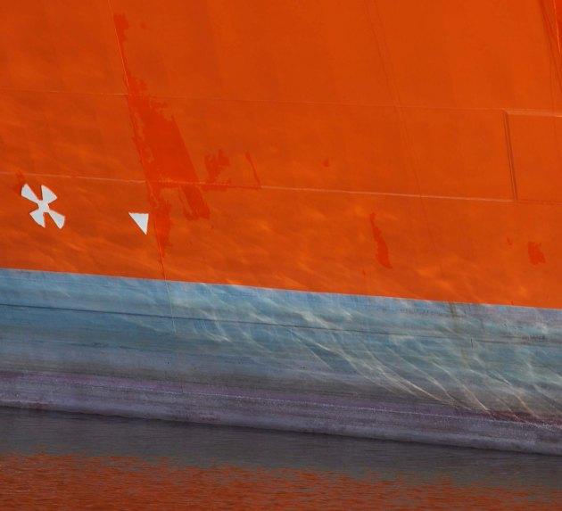 orange hull, violet below.