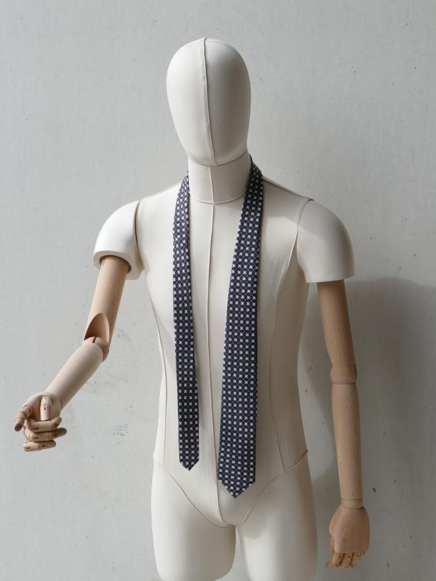 Kiss Kiss graphic silk tie designed by Niki Fulton